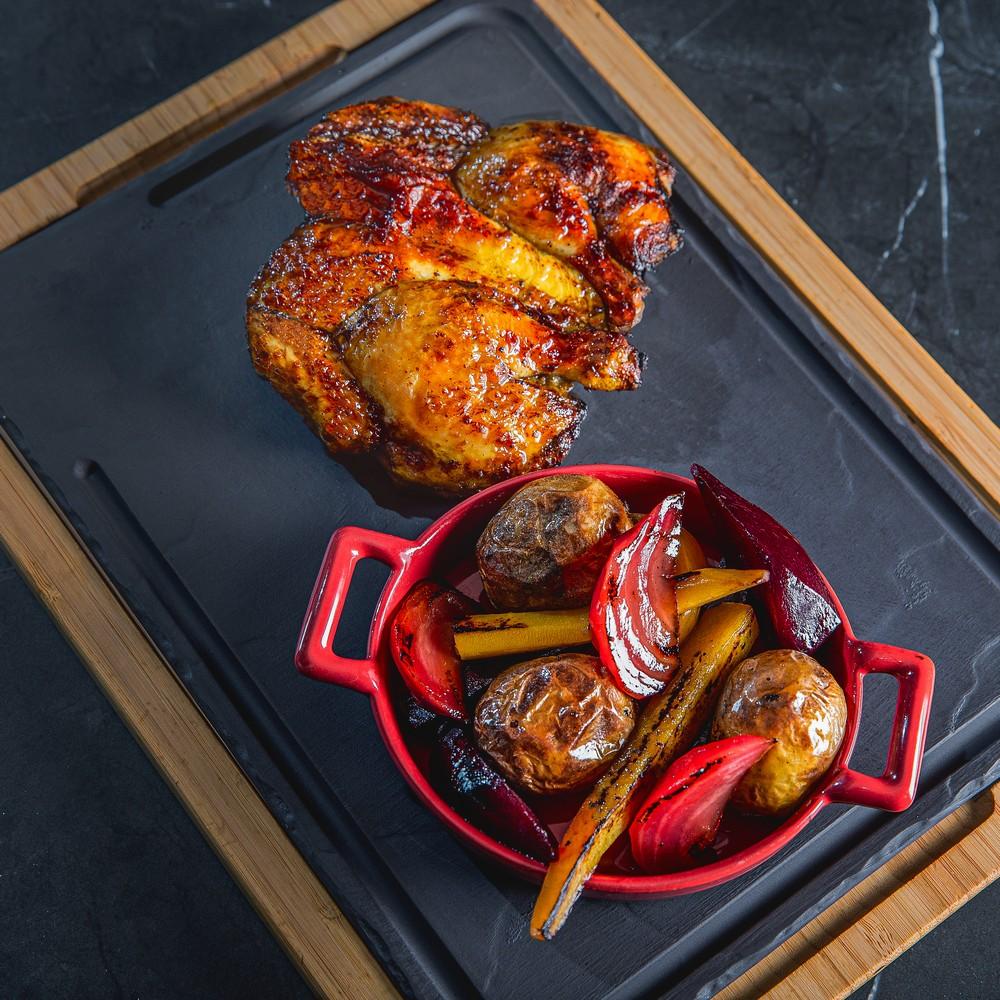 Jamaikietišku stiliumi paruoštas kukurūzinis viščiukas